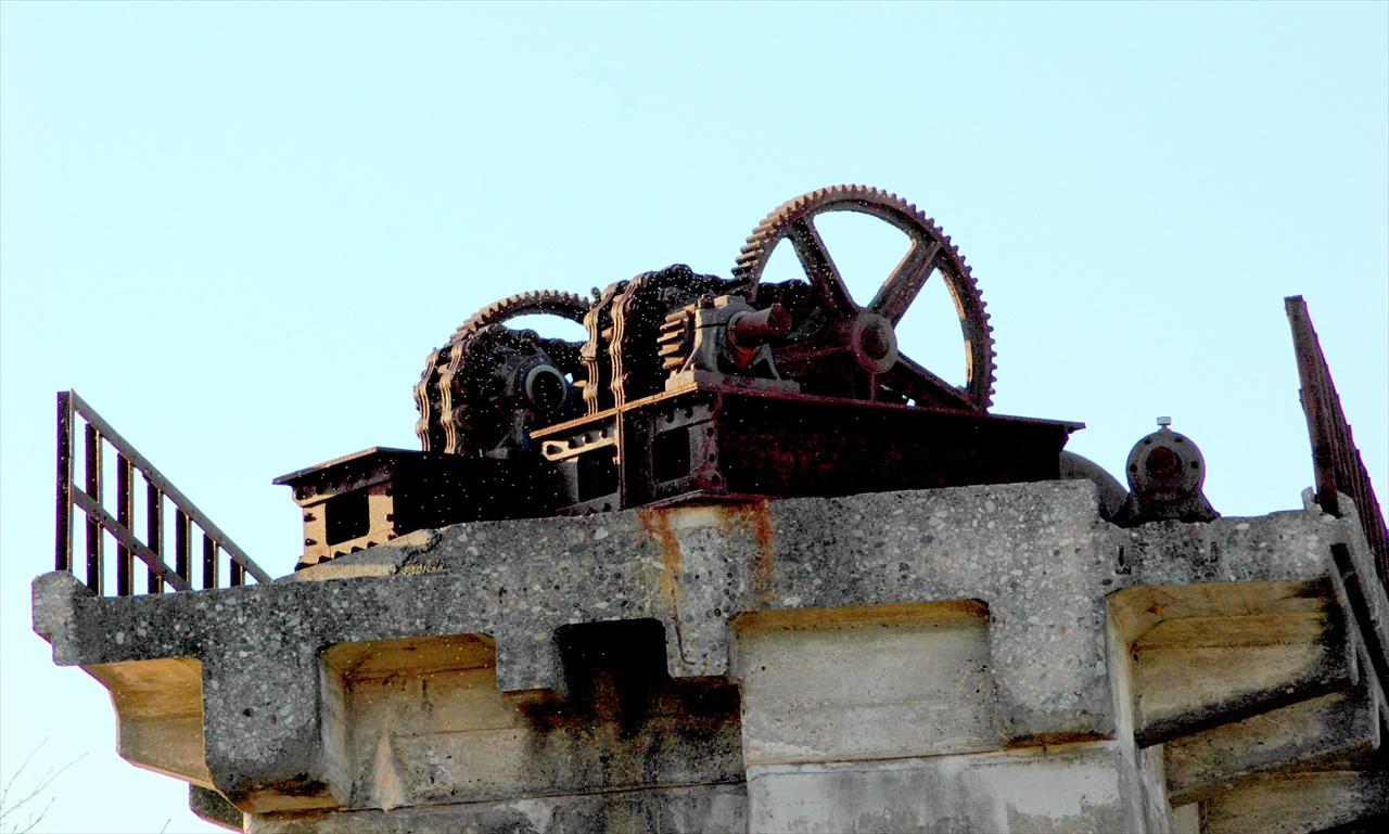旧堰モニュメント